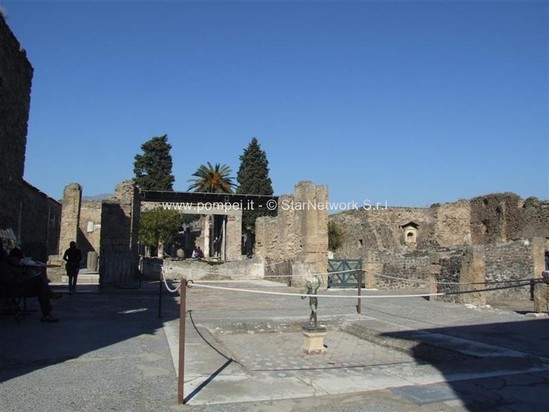 excavation of pompeii essay Many scholars say that the excavation of pompeii played a major role in the neo- classical revival of the 18th century europe's wealthiest and most fashionable.
